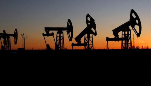 Нефть дорожает на фоне усиления напряженности на Ближнем Востоке