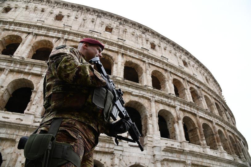 Римская полиция в состояние повышенной , Фото: AFPготовности