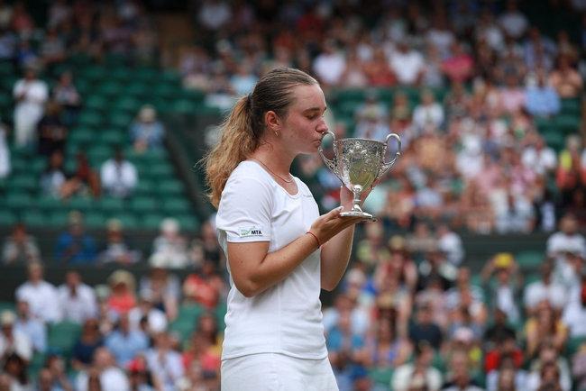 Дарья Снигур с трофеем, Фото: БТУ