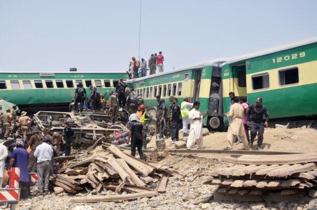 Катастрофа поезда в Пакистане, Фото: PAP