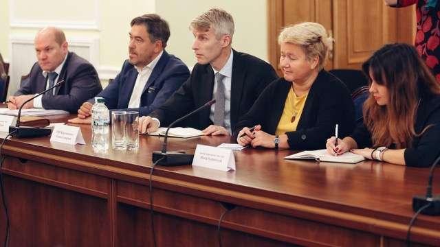 Налоги, таможни, банки: депутаты обсудили законопроекты с представителями МВФ