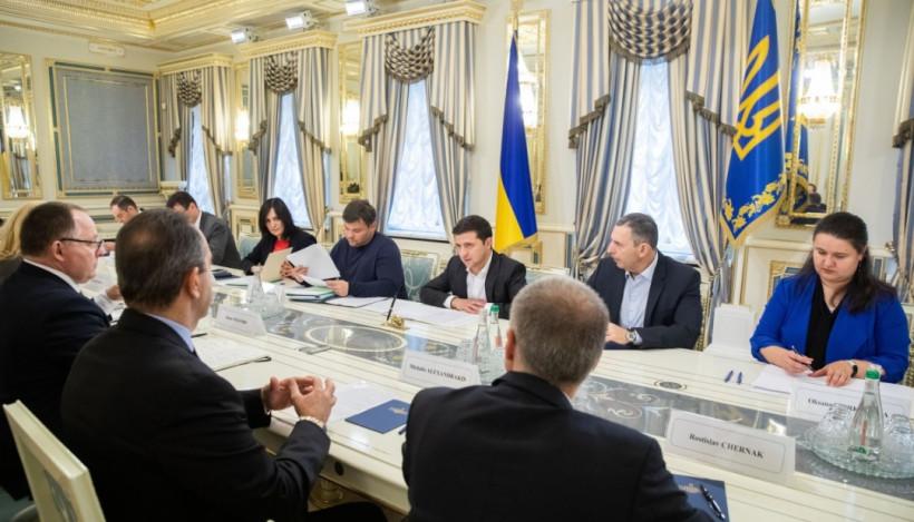 Президент встретился с представителями крупнейших табачных компаний Украины