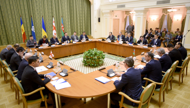 На саммите ГУАМ договорились о практической реализации зоны свободной торговли