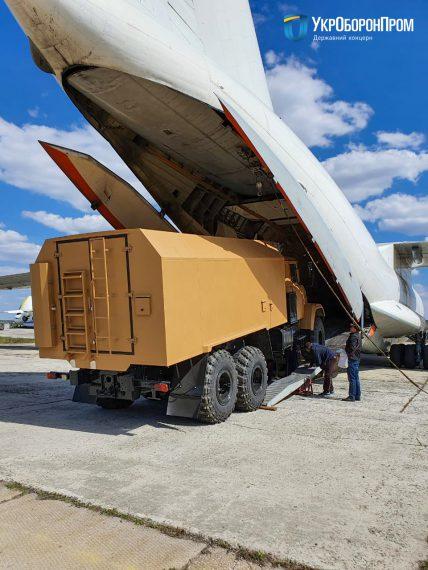 Укрспецэкспорт отгрузил за границу очередную партию военной техники