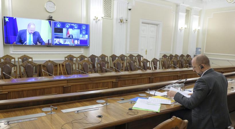 Шмыгаль встретился онлайн с премьерами стран Центральной и Восточной Европы