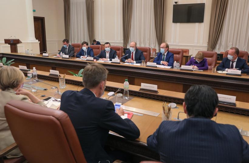 Шмыгаль: Должны дать инвесторам правильные месседжи