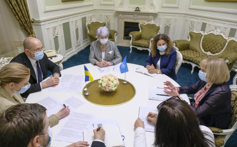 Премьер и постпред ПРООН обсудили эпидемию COVID-19 и последствия наводнений