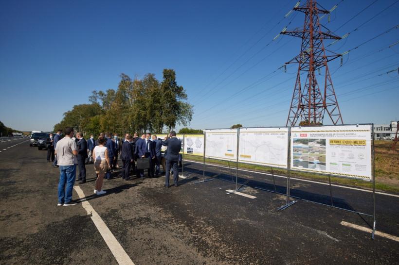 На Полтавщине в этом году построят и реконструируют 335 километров дорог - Зеленский