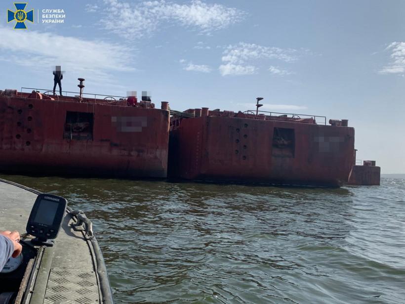 CБУ заблокировала деятельность коммерсантов, присвоивших баржи Дунайского пароходства