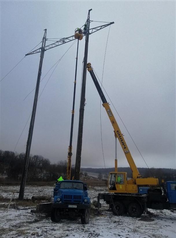 Укрэнерго начало реконструкцию ЛЭП Западноукраинская - Богородчаны