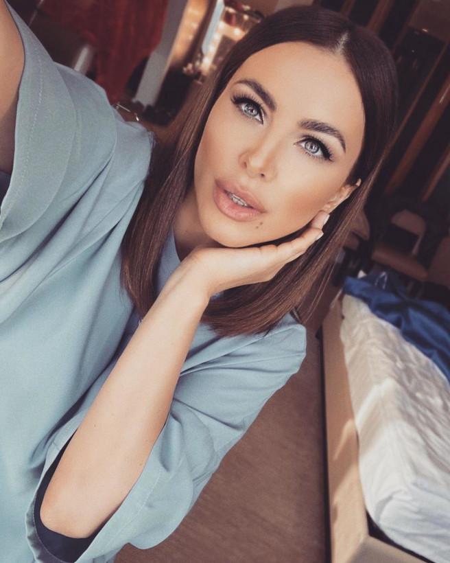 Фанаты не узнали 41-летнюю Ани Лорак из-за обилия пластики (ФОТО)