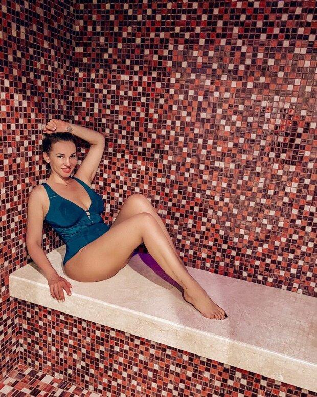 42-летняя Анфиса Чехова поделилась откровенным фото из бани