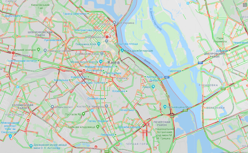 Дороги Киева сковали огромные пробки (КАРТА)
