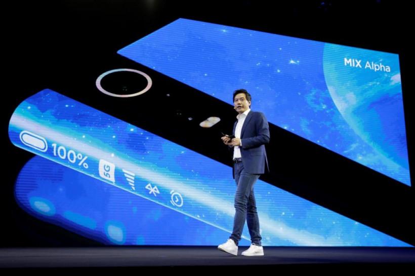 Xiaomi представила смартфон с площадью экрана в 180% (ФОТО, ВИДЕО)