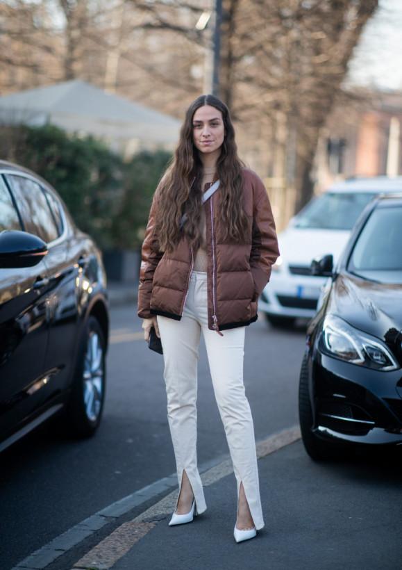 Мода 2020: брюки сразрезами, удлиняющие ноги — новая страсть модниц (ФОТО)