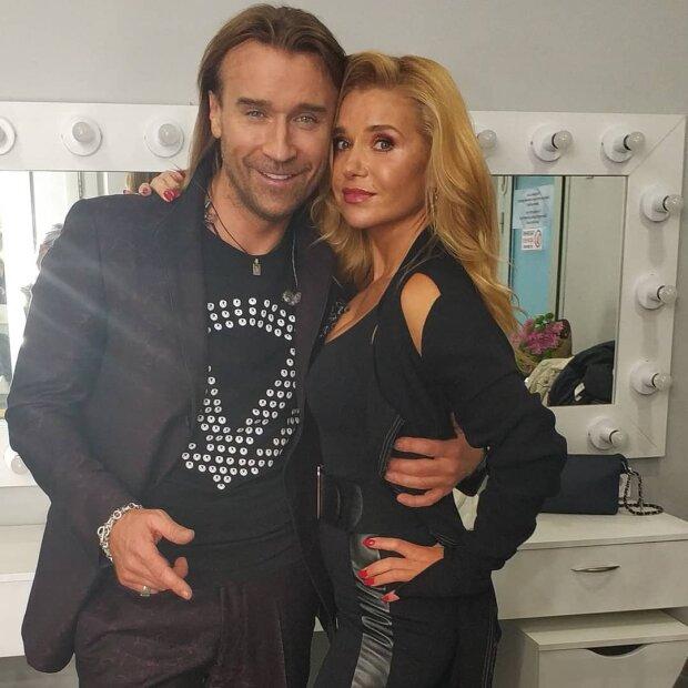 Жена Олега Винника поразила публику откровенным нарядом (ФОТО)