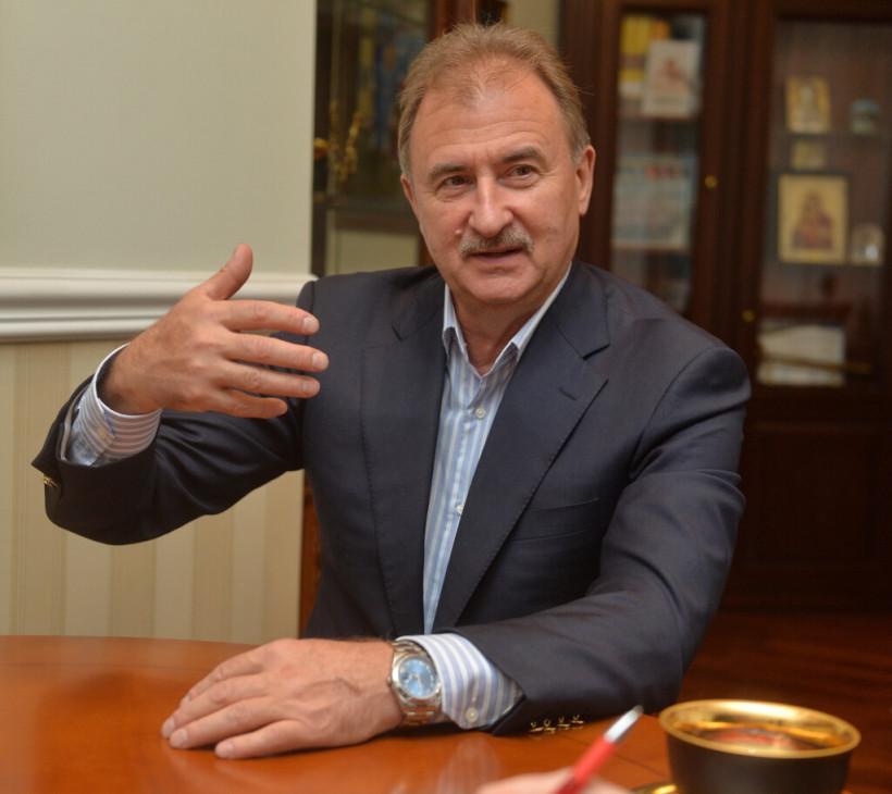 А.Попов: «Сегодня стыдно сидеть в окопе, нужно работать на страну»