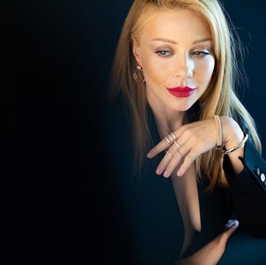 Тина Кароль показала грудь (ФОТО)