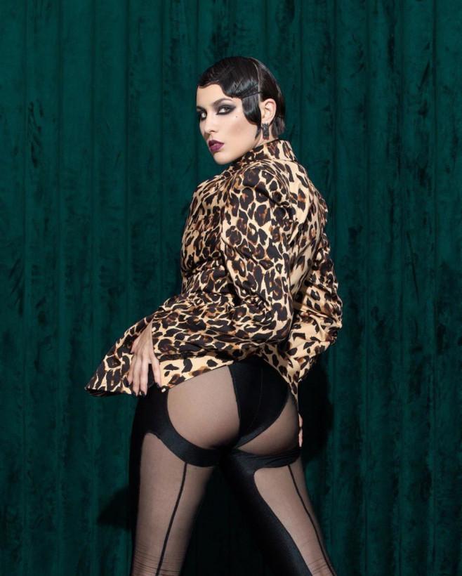 Певица MARUV опубликовала новое скандальное фото с пятой точкой