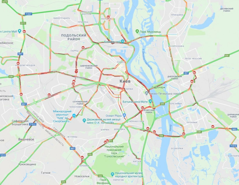 Киев сковали масштабные пробки (КАРТА)
