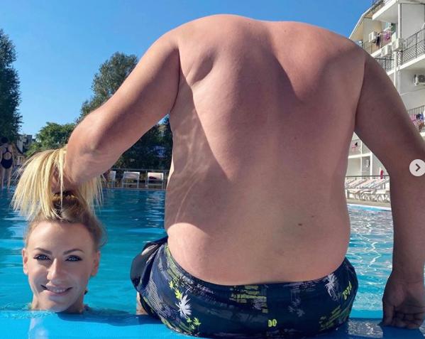 У Леси Никитюк «изменилась» фигура: появились пивной животик и толстые бока (ФОТО)