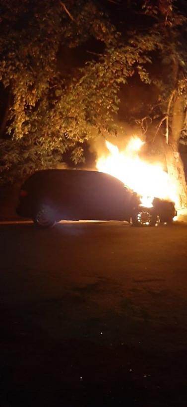 В Черкассах сожгли автомобиль чиновника горсовета (ФОТО)