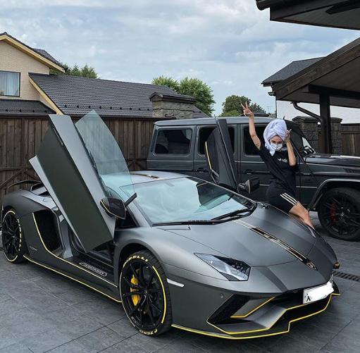 Настя Ивлеева похвасталась новеньким Lamborghini (ФОТО)
