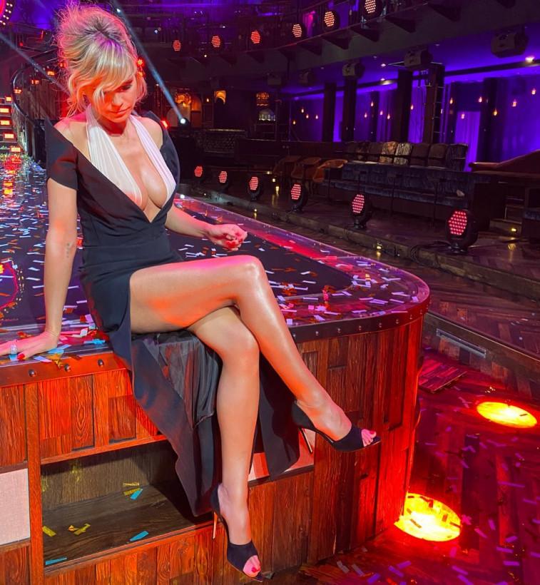 47-летняя модель Хайди Клум сразила фанатов винтажным платьем (ФОТО)