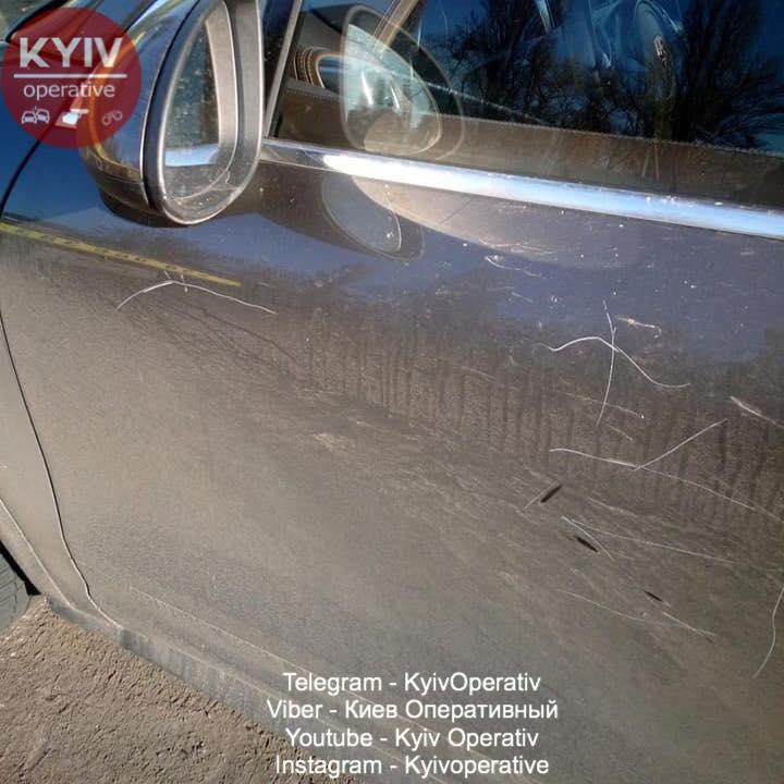 «Операция эвакуация»: в центре Киева Porscheгероя парковки «приглянулось» инспекторам (ФОТО)