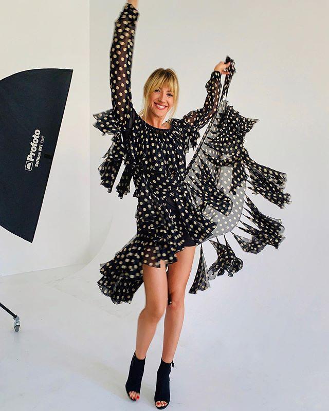 Леся Никитюк похвасталась «бесконечными» ногами в прозрачном платье (ФОТО)