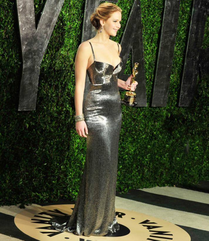 Лучшие наряды голливудской актрисы Дженнифер Лоуренс: фанаты восхищаются своим кумиром (ФОТО)