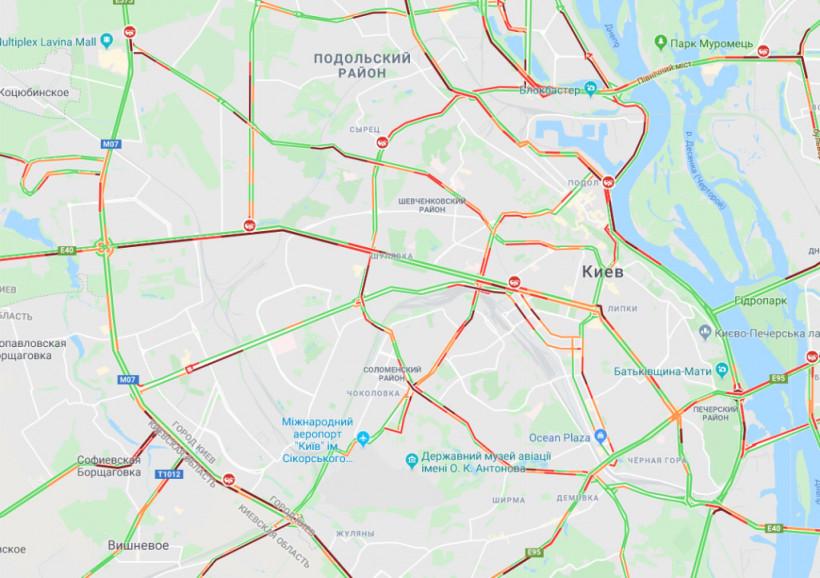 Автомобили стоят: на дорогах Киева утром образовались масштабные заторы (КАРТА)