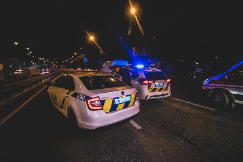 В Киеве полиция догоняла пьяную компанию в BMW X5: двоих человек госпитализировали (ФОТО, ВИДЕО)