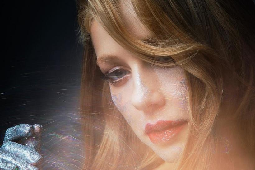 «Блестящая» Тина Кароль анонсировала выход очередного хита и восхитила поклонников новым фото