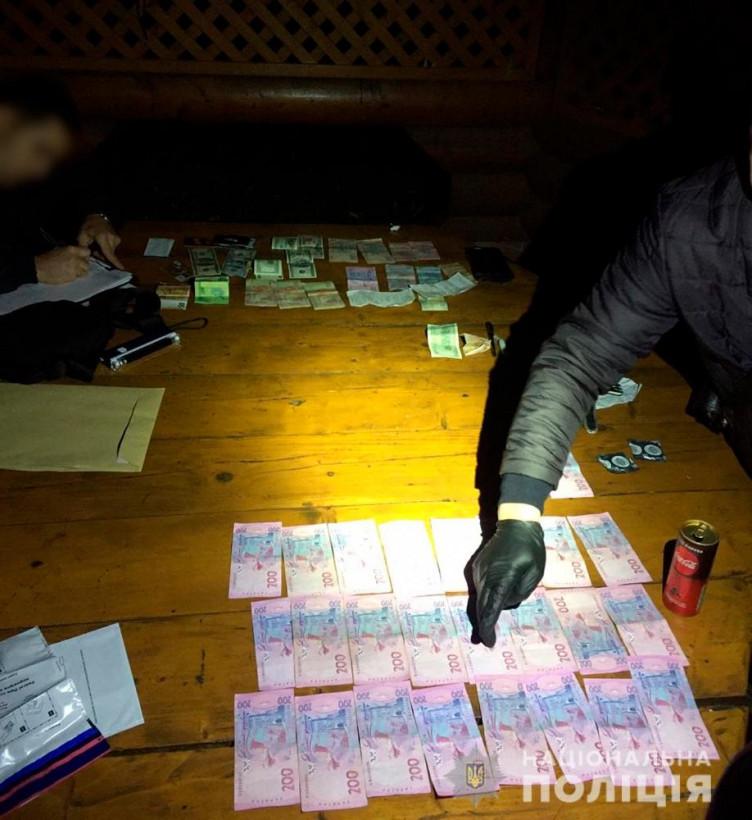 На Буковине 19-летний парень организовал деятельность банды фальшивомонетчиков (ФОТО)