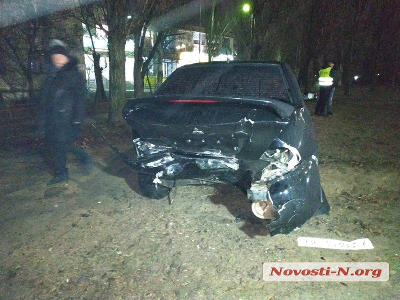В Николаеве пьяный водитель на «Volkswagen Golf» протаранил «Mitsubishi» (ФОТО)