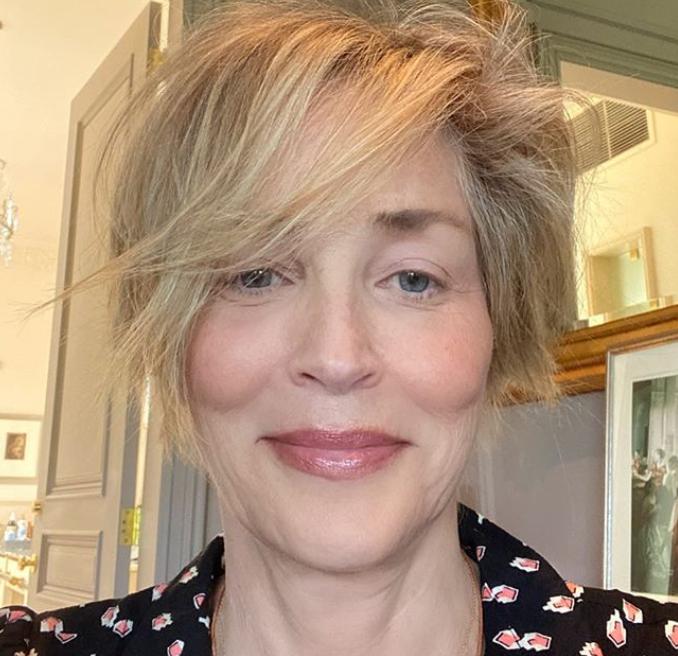 62-летняя Шерон Стоун показала селфи без макияжа