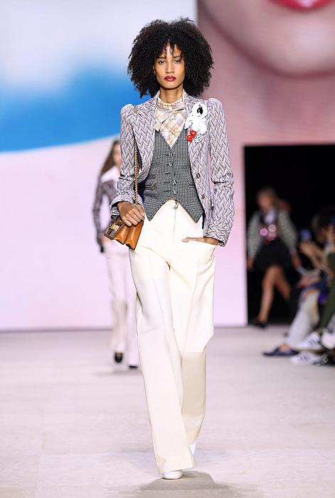 """""""Что будем носить весной"""": в тренде ультракороткие шорты, огромные сумки и рыбацкие панамы (ФОТО)"""