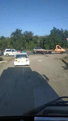 Автомобиль полиции в Харькове на большой скорости врезался в автобус (ФОТО)