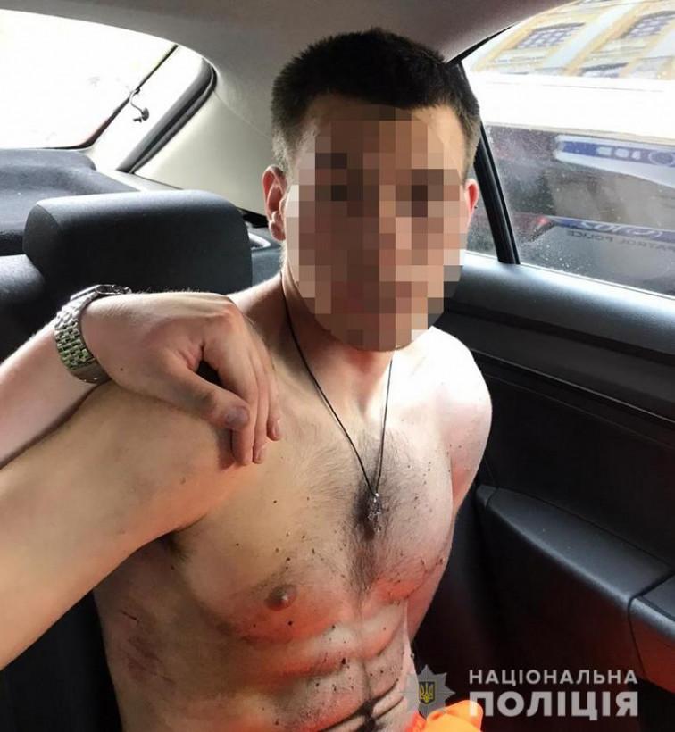 Пьяный киевлянин попытался угнать машину посла (ФОТО)