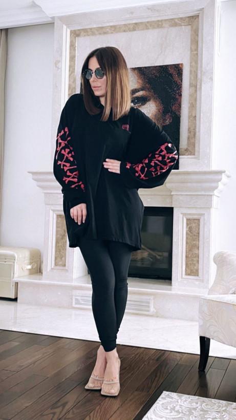 Ани Лорак раскритиковали за «бабушкин» наряд (ФОТО)