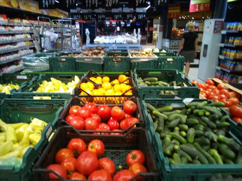 На столичных рынках резко подешевели розовые мясистые помидоры: обзор цен (ФОТО)