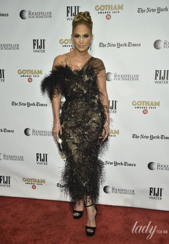 Джей Ло исполнился 51 год: СМИ показали ТОП-список её лучших платьев (ФОТО)