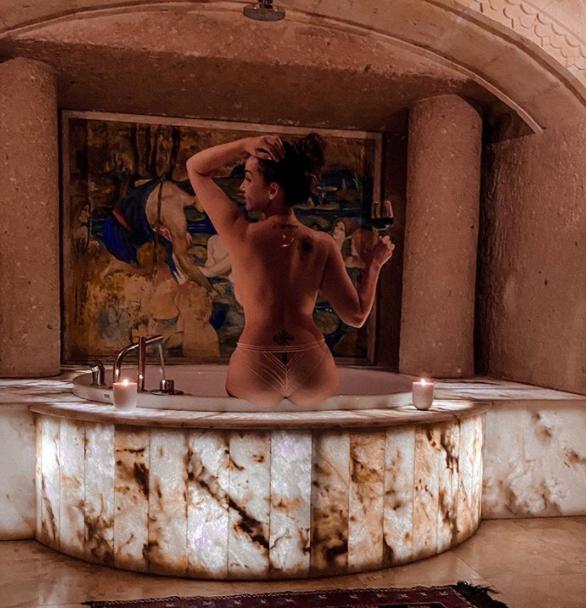 42-летняя Анфиса Чехова озадачила Сеть откровенным снимком