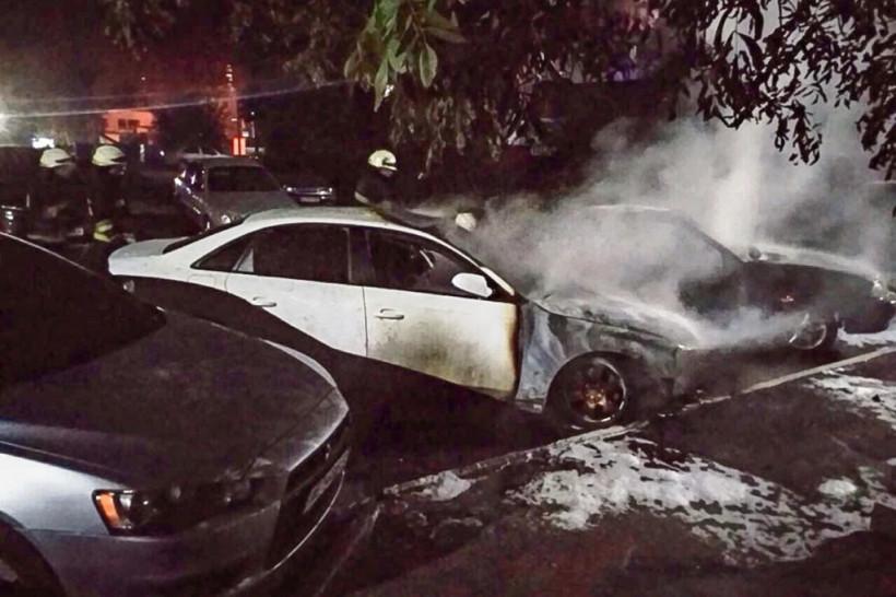 В Днепре столкнулись 4 автомобиля: госпитализировали женщину и двоих ее детей (ФОТО, ВИДЕО)