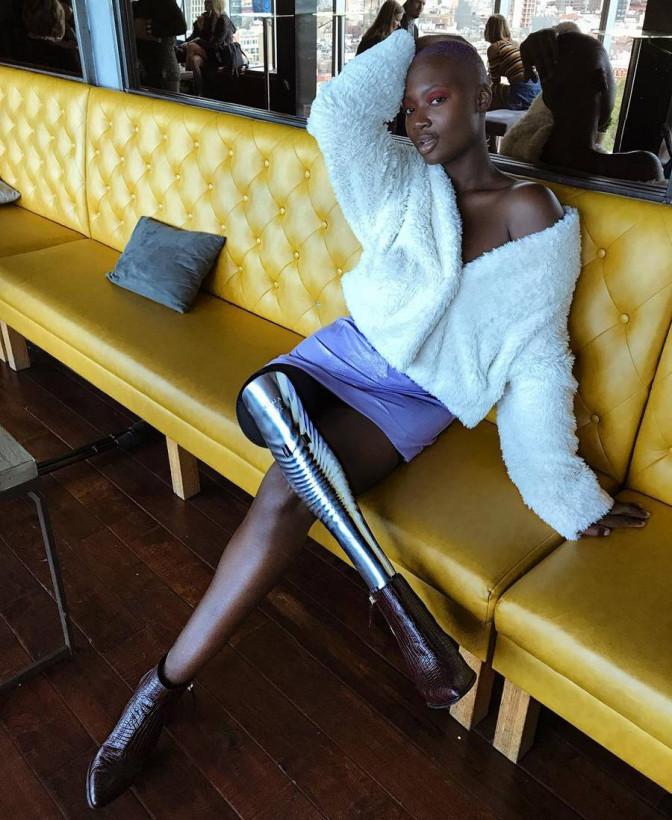 В Нью-Йорке внезапно скончалась известная темнокожая фотомодель с одной ногой
