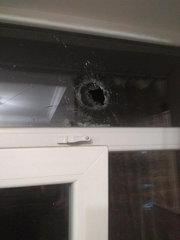 На Волыни в дом женщины влетела сигнальная ракета (ФОТО)