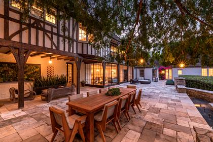 Брэд Питт продал за 24 миллиона долларов свой особняк в Беверли-Хиллз: фото дома